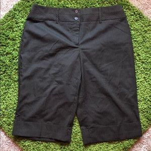 Studio 1940 Brown Bermuda Short size 10 NWOT